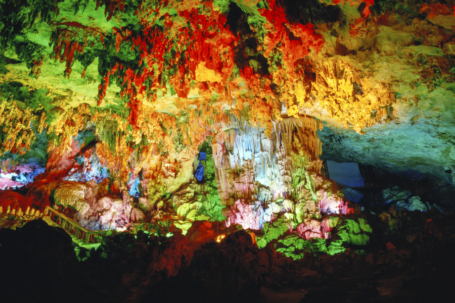 Yiling Cave Scenic Resort of Nanning